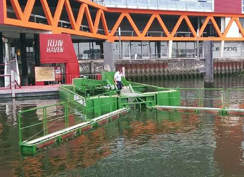 Rotterdam catches floating plastics